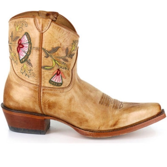 8a6d10d477 Shyanne Women's Floral Embroidered Western Booties.  M_5aea67f03afbbd10934b8dec